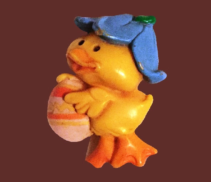 Easter Chick with egg vintage pin