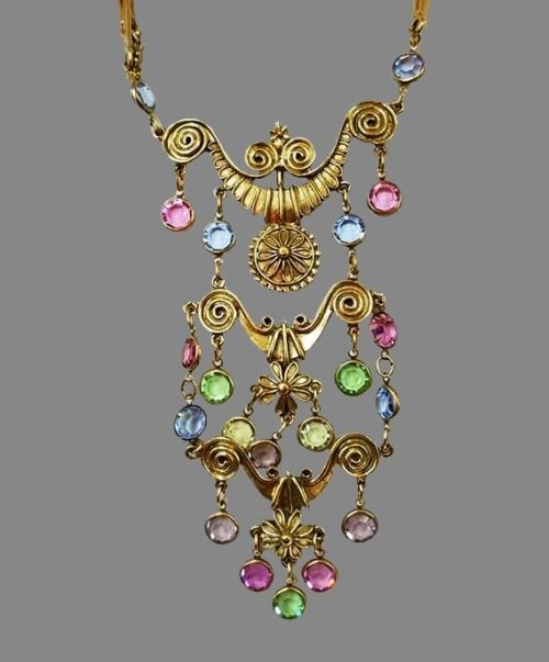 Fabulous necklace of jewelry alloy of gold tone, art glass