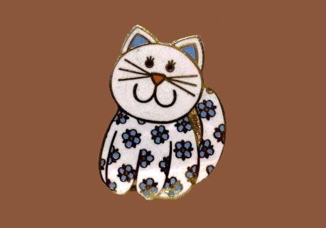Flower cat brooch