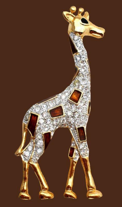 Giraffe gold tone brooch with clear rhinestones