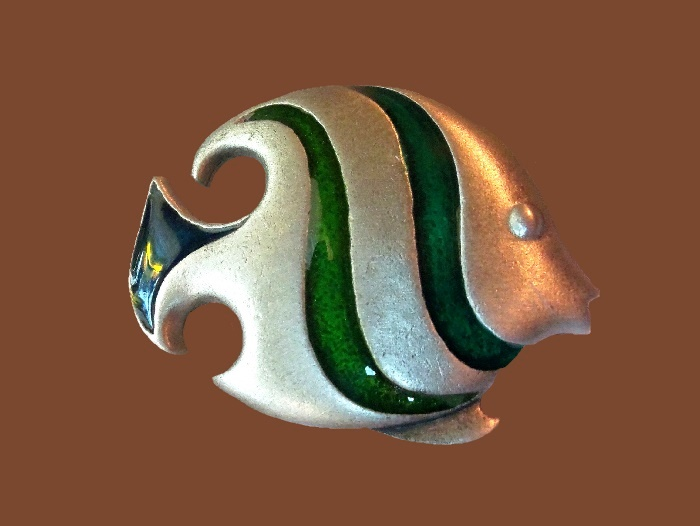 Gorgeous Fish brooch. Green and blue enamel, silver tone metal
