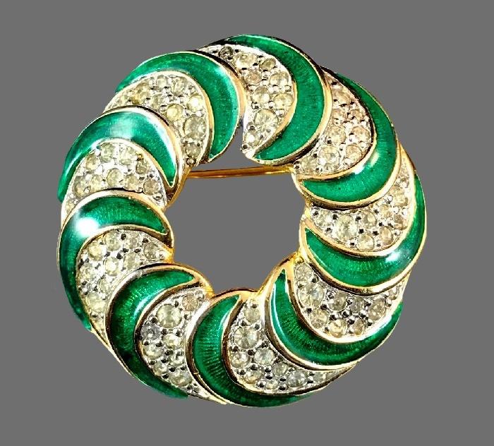 Green swirl round brooch. Enamel, rhinestones, jewelry alloy