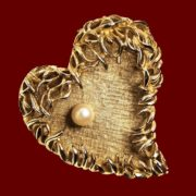 Heart brooch. Textured jewelry alloy of gold tone, gold plated, faux pearls. 5.3 cm