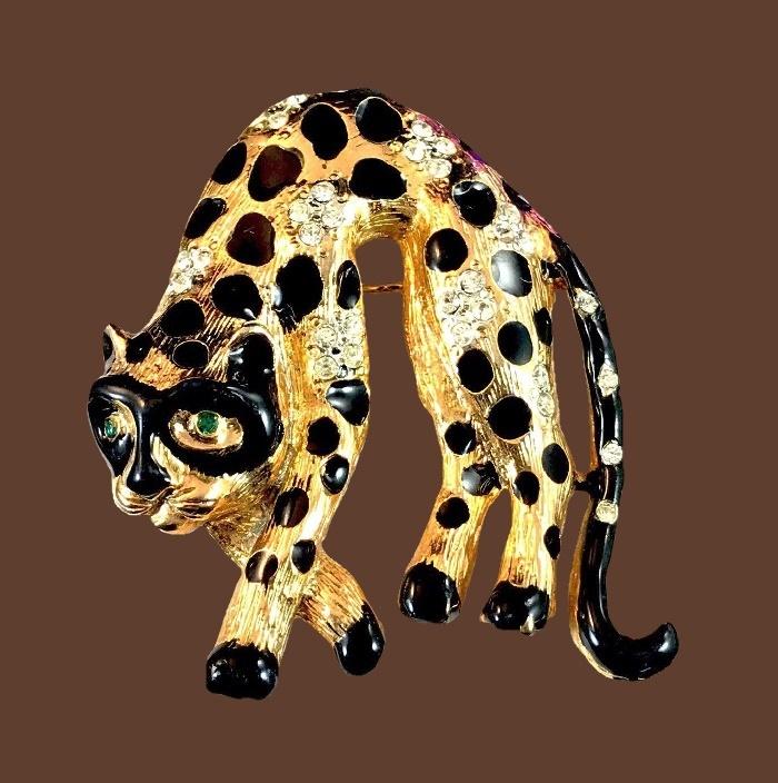 Leopard brooch. Jewelry alloy of gold tone, black enamel, rhinestones