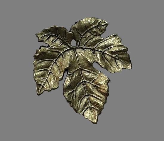 Maple leaf textured hammered brass brooch pin