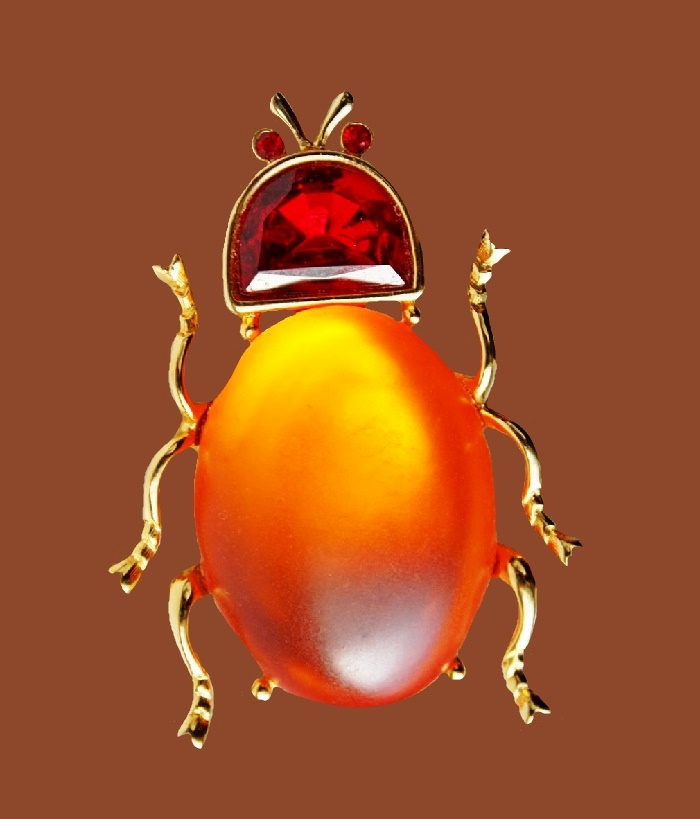 Orange Beetle brooch. jewelry alloy, rhinestones, lucite. 6 cm
