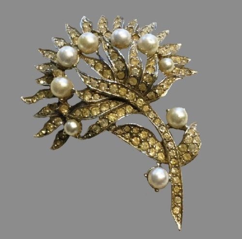 Pearl flower silver tone brooch with rhinestones