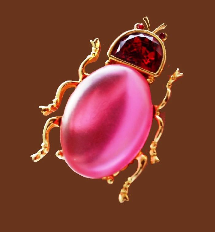 Pink Beetle brooch. jewelry alloy, rhinestones, lucite. 6 cm