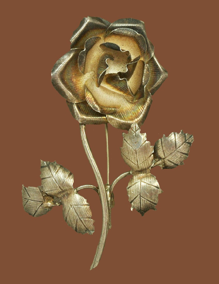 Rose brooch made of silver. 5.8 cm. 1960s