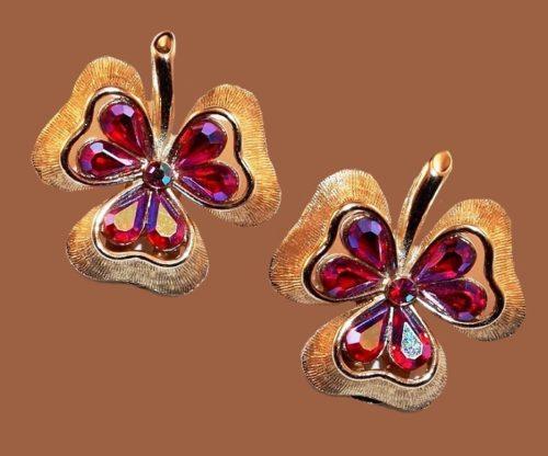 Shamrock clover earrings. Pink Aurora borealis, textured jewelry alloy, rhinestones