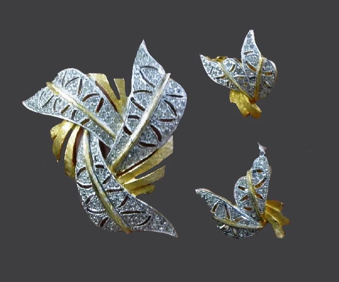 Silver and gold set of earrings and brooch