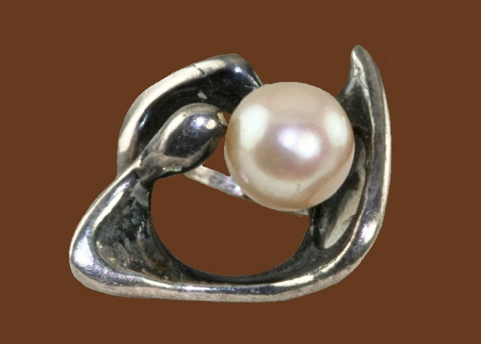 Sterling silver and pearl modernist brooch. 1950s