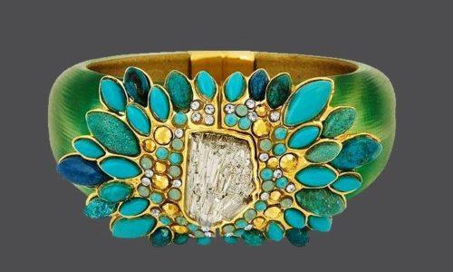 Stunning bracelet of lucite and semi-precious stones