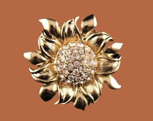 Sunflower brooch. Jewelry alloy, Swarovski crystals. 4 cm