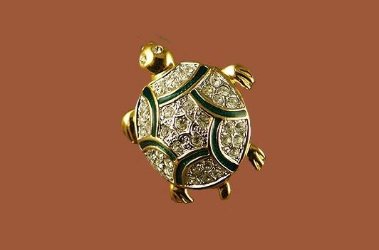 Turtle Gold tone vintage brooch. Rhinestones, crystals. 1970s
