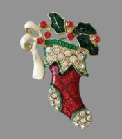Vintage signed TC Christmas stocking brooch. Jewelry alloy of gold tone, enamel, crystals