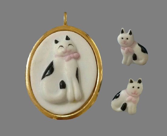 White cat pendant and earrings