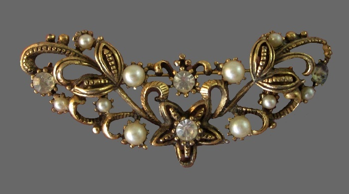 1930s gold tone brooch, floral design. Faux pearls, rhinestones
