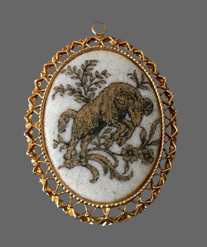 Aries zodiac sign cameo pendant of gold tone