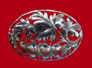 Beautiful oval brooch with plant motif, sterling silver