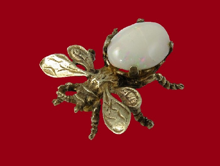 Bee brooch. Sterling silver, opal