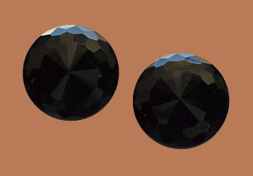 Black round clips. Cabochon, Lucite. 2.8 cm