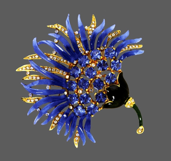 Chrysanthemum 1941 brooch. Manufacturer Staret Jewelry, Co., Inc. Gold-plated metal, green and blue enamel, square crystals, aquamarines and rhinestones. 11.5 cm