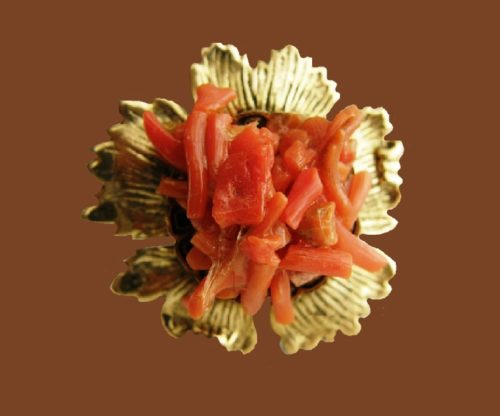 Coral flower brooch of gold tone