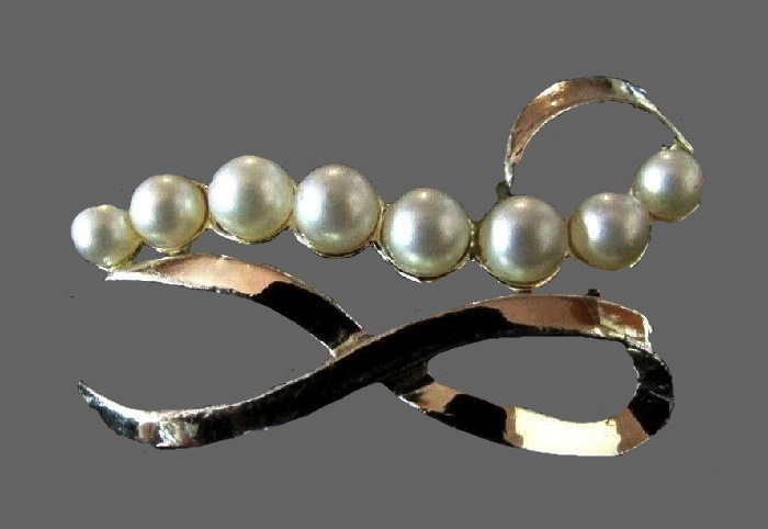 Faux Pearl gold tone bow brooch
