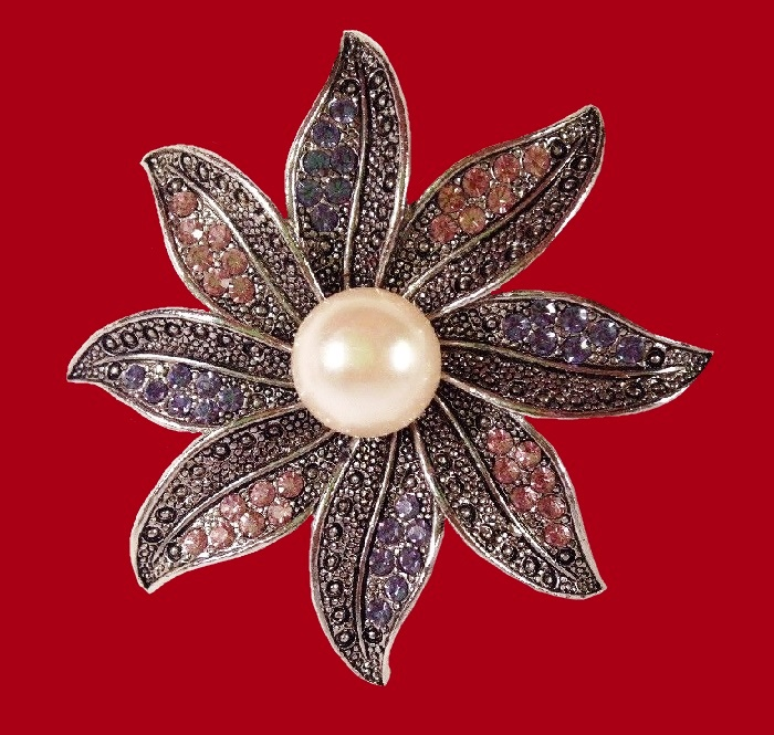 Flower brooch. Silver plated, faux pearls, rhinestones