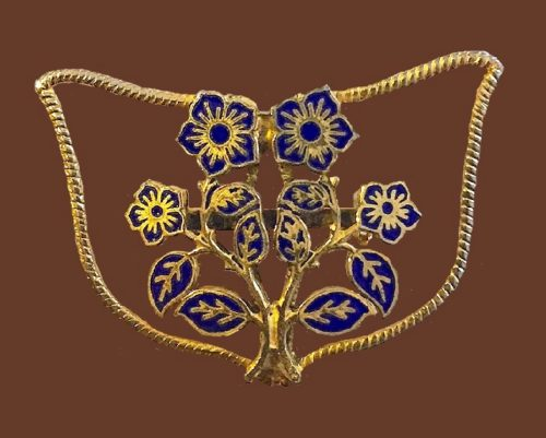 Garden flower brooch of gold tone, enamel