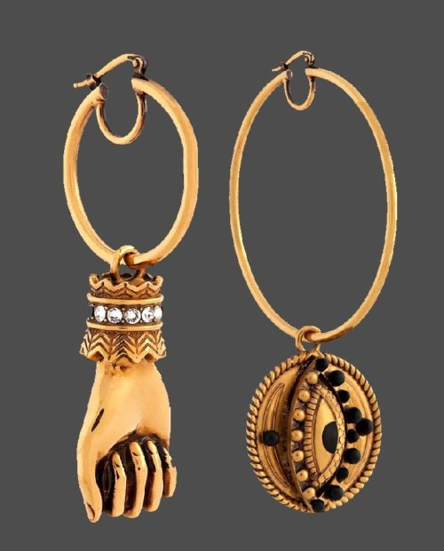 Gold ring earrings with a wrist pendant decorated with Swarovski crystals