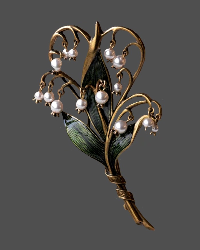 Gorgeous Lily of the valley vintage vintage brooch. Jewelry alloy, Enamel, faux pearls. 9 cm