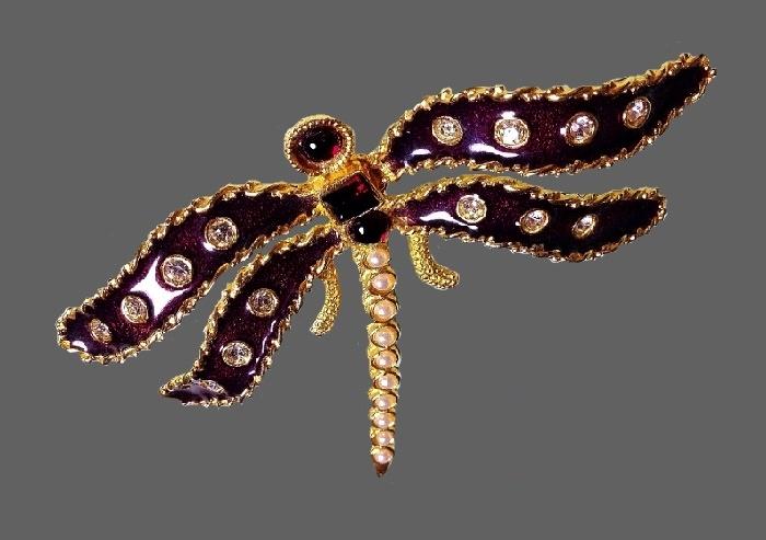 Dragonfly brooch. Gold tone jewelry alloy, enamel, rhinestones, faux pearls, cabochons