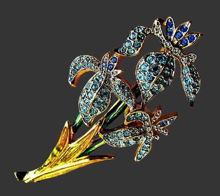 Irises vintage brooch. Jewelry alloy, rhinestones, enamels. 7.4 cm
