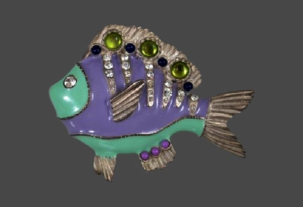 Lavender carp brooch. 1980s. 7.5 cm. Jewelry alloy, enamel, cabochons, crystals