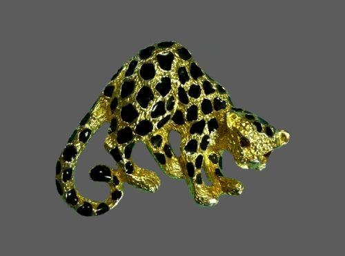 Leopard vintage brooch. Jewelry alloy of gold tone, rhinestones, enamel. 1970s