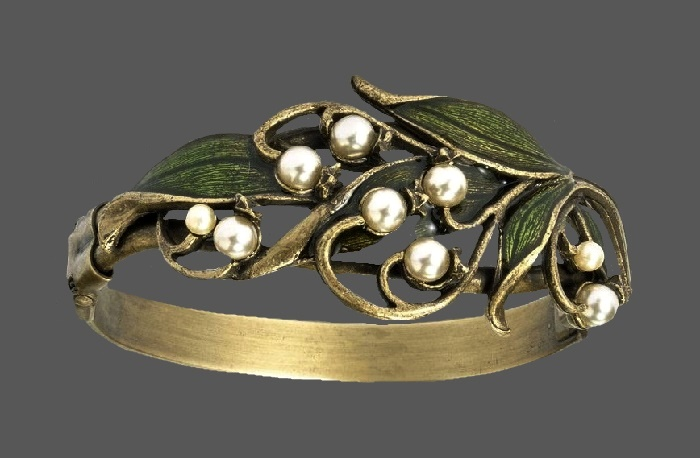 Lily of the valley vintage bracelet. Enamel, faux pearls