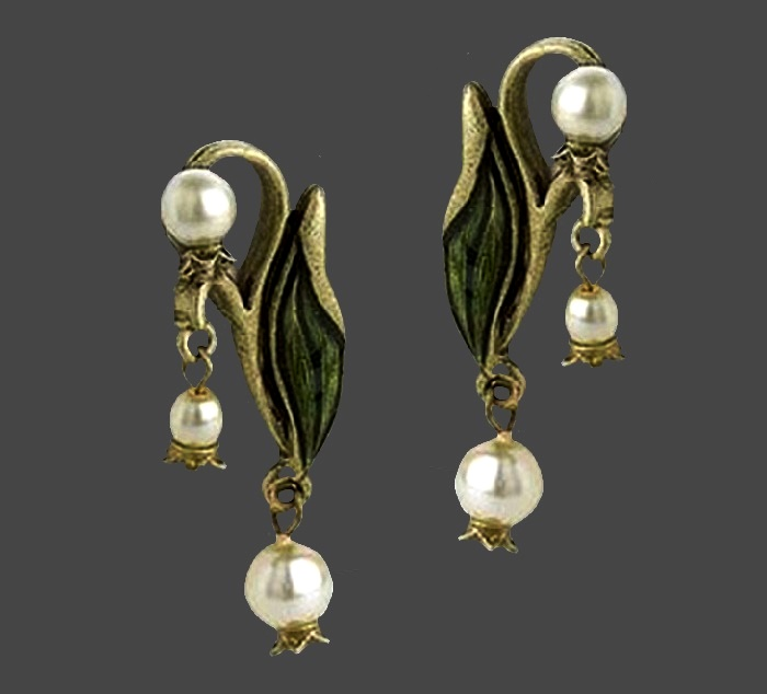 Lily of the valley vintage earrings. Enamel, faux pearls