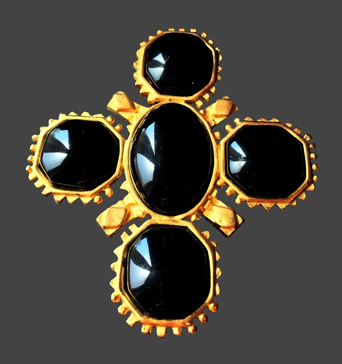 Maltese cross vintage brooch. Jewelry alloy, gold plated, cabochons