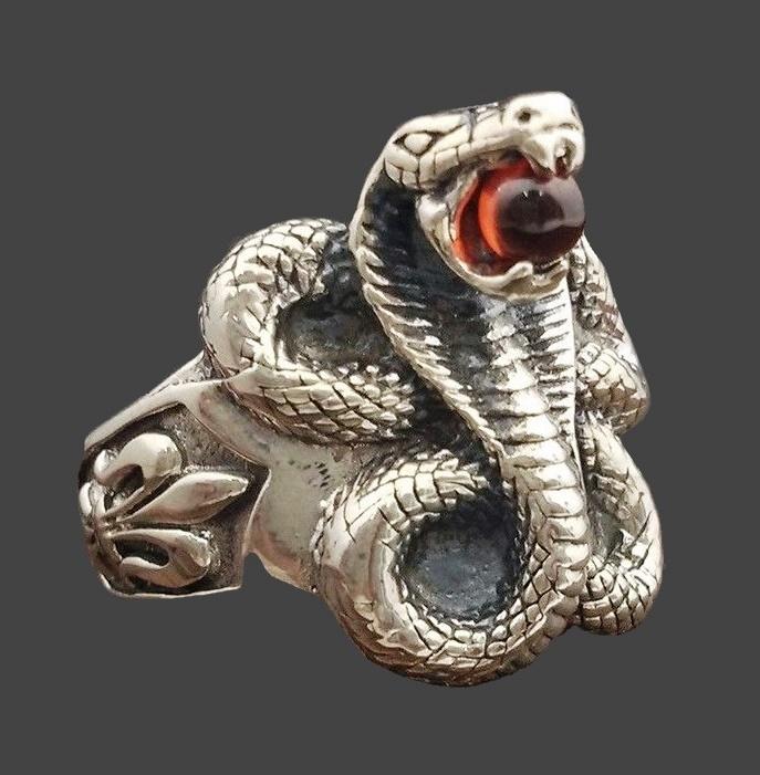 Mamba Snake ring