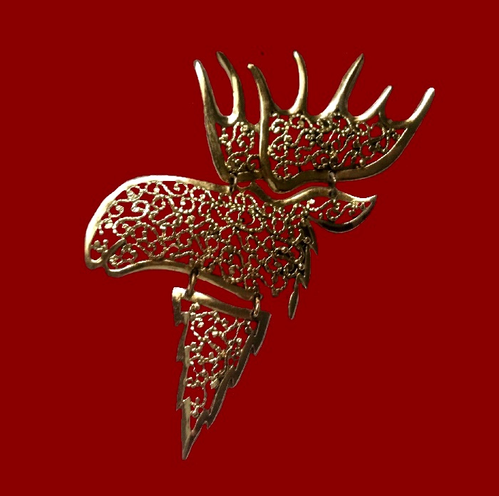 Moose head filigree pendant of gold tone