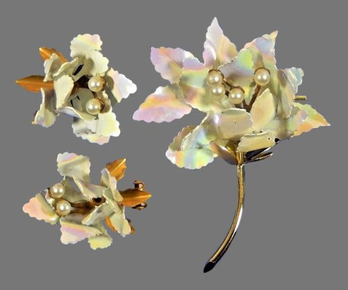 Orchid brooch and earrings. Gold tone jewelry alloy, mother of pearl, faux pearls