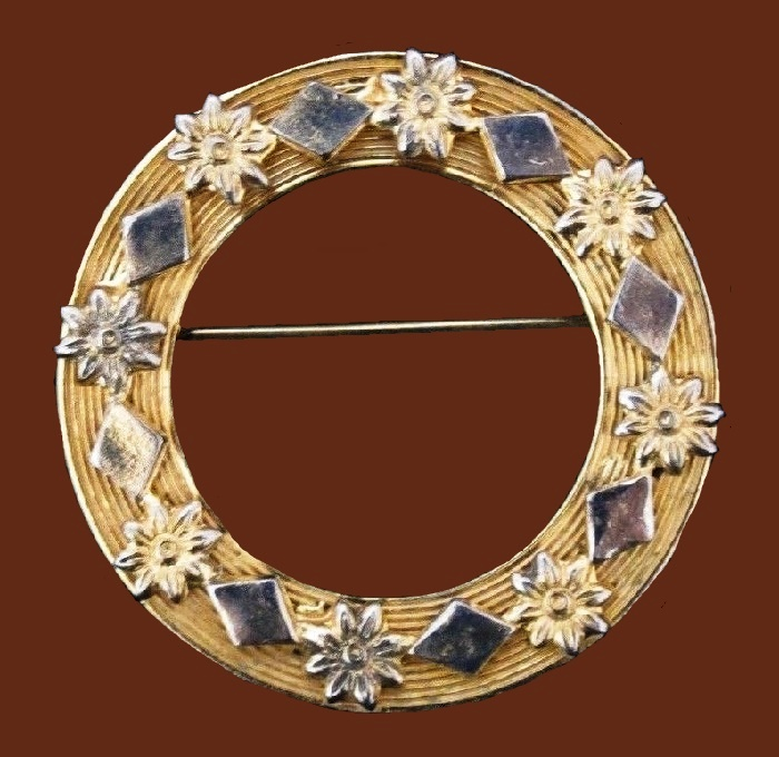 Ornate Circle gold tone, enamel brooch