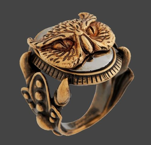 Owl Ring. Gold tone engraved metal