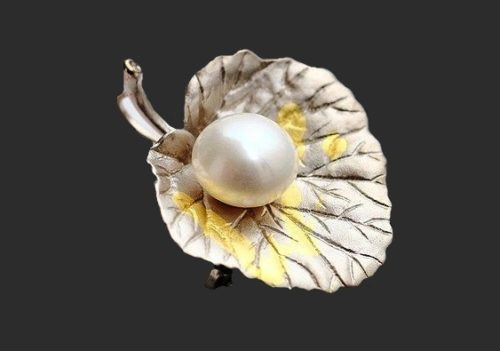 Pearl and silver leaf brooch