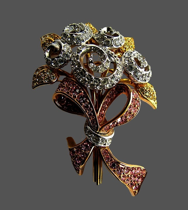Rare collection brooch from Swarovski. Limited edition in 1998. Marked with the swan, the date of issue and the designer's initials