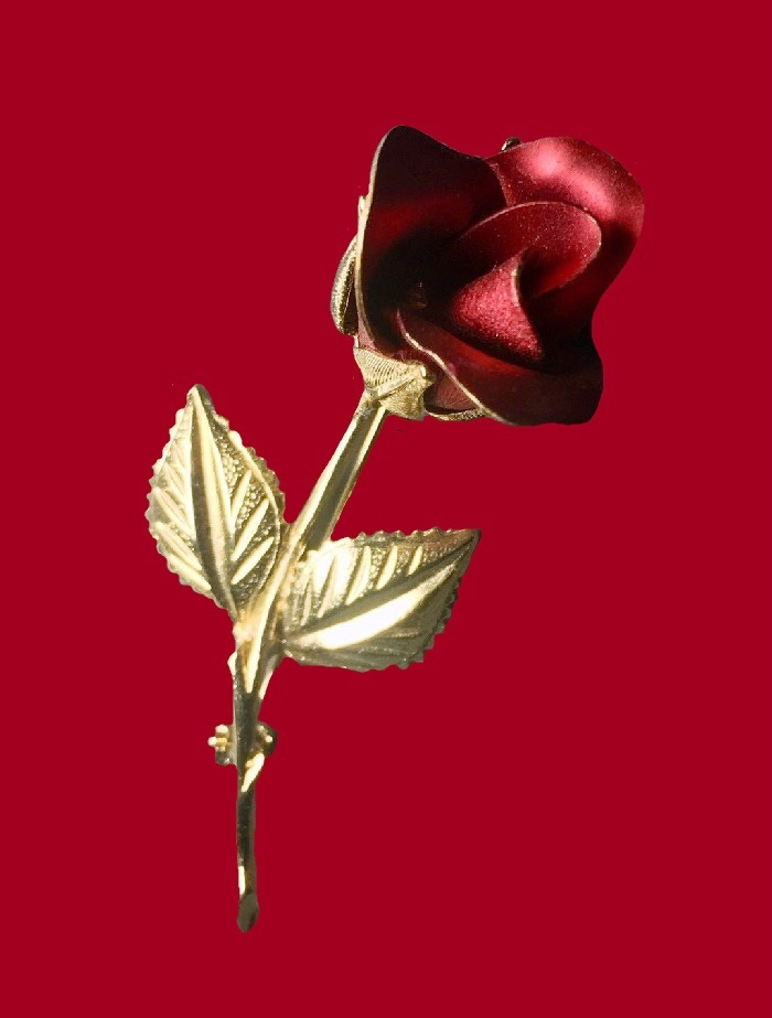 Red rose pin. Gold tone jewelry alloy, enamel