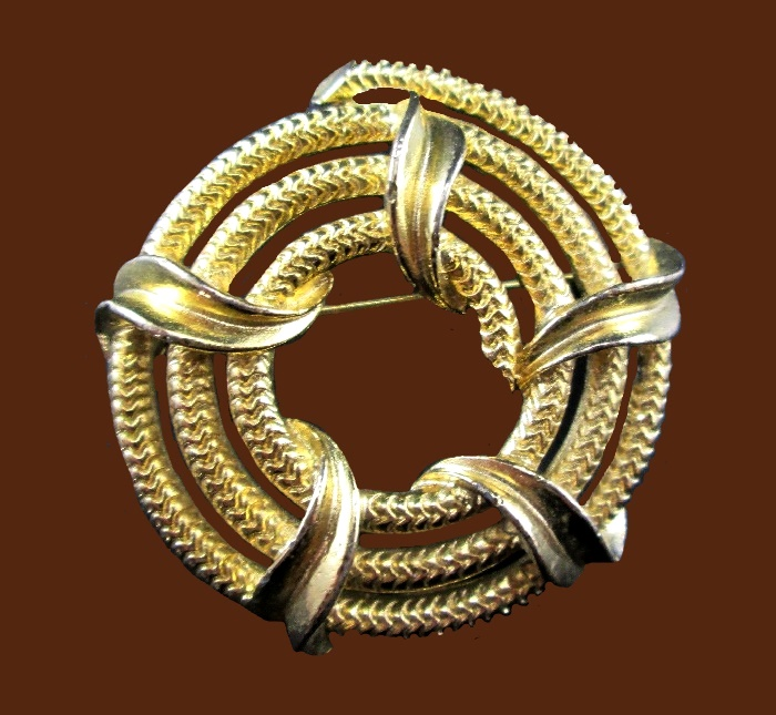 Rope Coil gold tone brooch