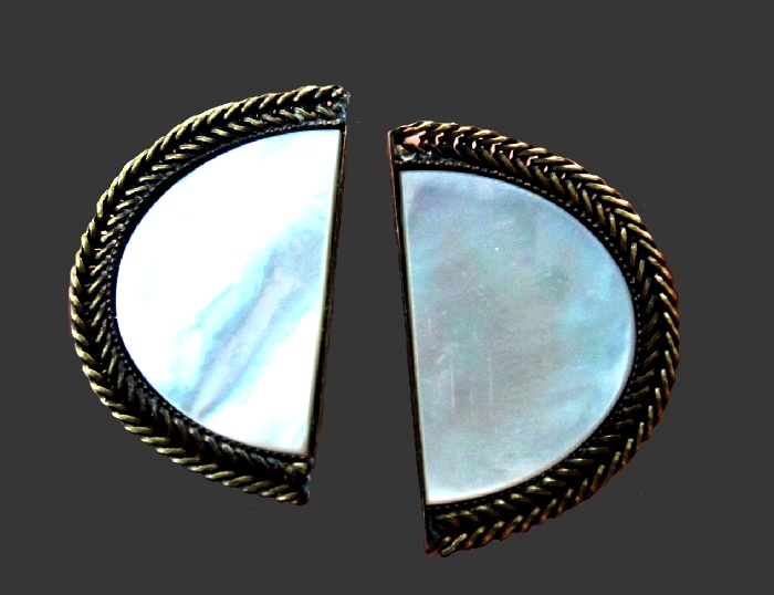 Semicircle clips. jewelry alloy bronze, mother of pearl, metal. 4 cm